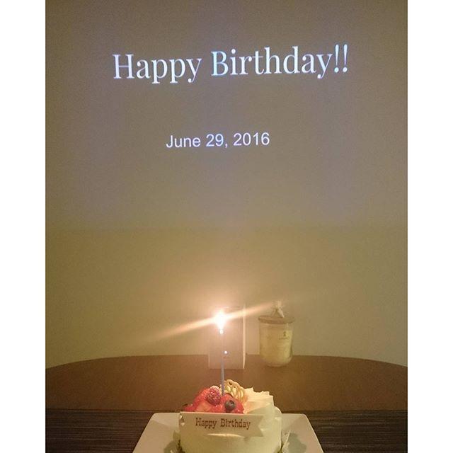 食事の後は、#Sheraton の #Dorer のケーキ登場です。#lifeinyokohama #yokohamalifestyle #lifeofkaren - from Instagram