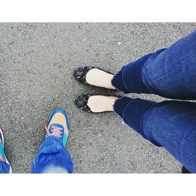 昨日は午後から熱が出てしまい家でグッタリしてました。熱も下がったので、義母おすすめのパンケーキ屋さんでMorning食べてきました。#ootdDenim #stradivarius Shoes #louisvuitton見えないけどTopsは #gu#lifeofkaren #casualandluxe#yokohamalifestyle #lifeinyokohama #暮らしを楽しむ - from Instagram
