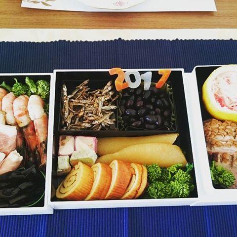 #プロジェクトおせち 蒲鉾以外は全て自作です。#お節料理 #お正月 #新年#japanesetraditional #japanesecuisines #yokohamalifestyle#lifeinyokohama#casualandluxe#instafoodie #foodpic #lifeofkaren #伝統 - from Instagram