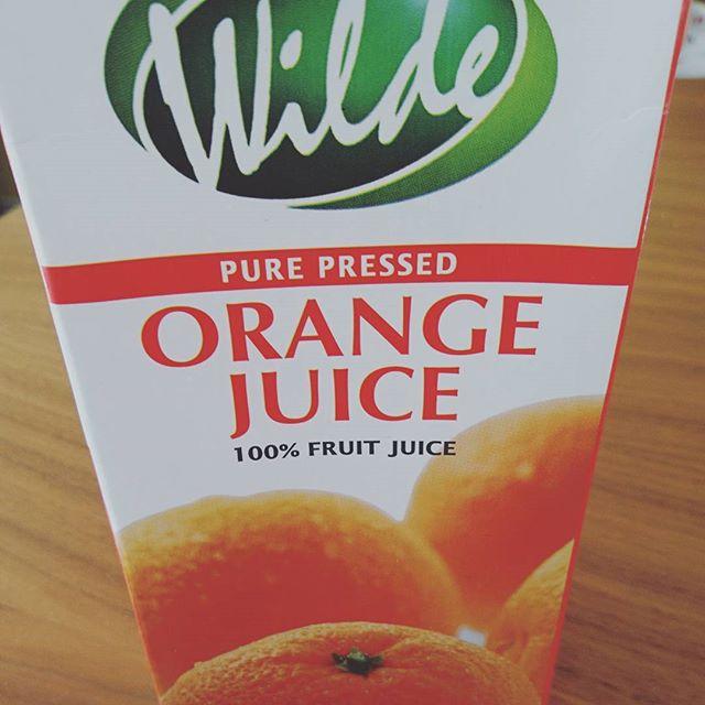 お早うございます今日は少し早めに起きました実は明日は来客があるので、その買い出し等で、朝からネジ巻いてます#nationalazabu でいつも買ってたオレンジジュース 旦那様がランチタイムの間に広尾まで行って3パック買ってきてくれました。南アフリカ産で無添加なのに、パックだと常温保存出来るので重宝してます。#いい家は人を呼ぶ ←でも準備は大変#lifeofkaren #casualandluxe#yokohamalifestyle#lifeinyokohama #暮らしを楽しむ - from Instagram